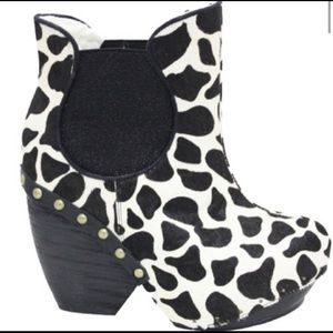 🔥🔥Irregular Choice Cow Print Ankle Boots🔥🔥